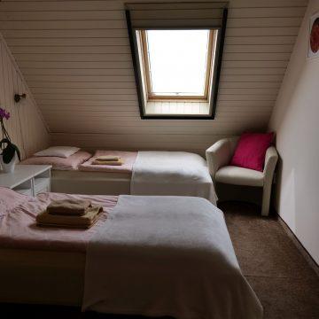 7. triple room